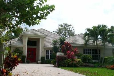 127 Golfview Court 1