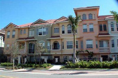 11854 Valencia Gardens Avenue 1