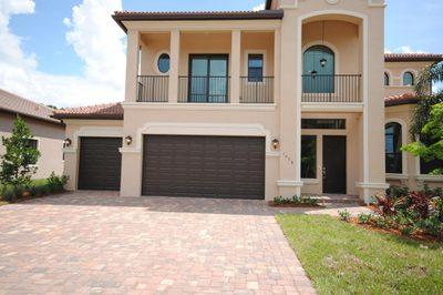 1098 NE Post Oak Way 1