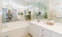 11_master-bathroom_290 Canterbury Dr Eas