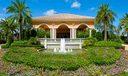 10_Mirasol_entry-fountain
