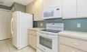 06_kitchen2_11903 Myrtle Oak Ct_Sun Terr
