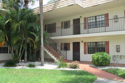 4223 Oak Terrace Drive 1