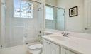 14_bathroom2