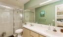 07_8101chapmanoakct_8_Bathroom_HiRes