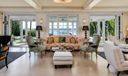 822 S County - Livingroom