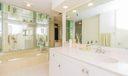 11_master-bathroom_115 Lakeshore Drive P