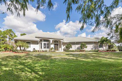 2885 SE Ranch Acres Circle 1