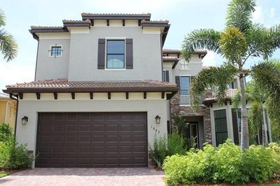 1042 NE Post Oak Way 1