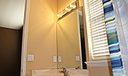 21 upstairs-bath-2