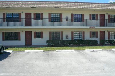 4247 Oak Terrace Drive 1