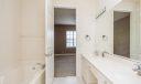 08_master-bathroom_108 E Indian Crossing