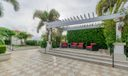 18_community-patio_701 S Olive Avenue_Tw