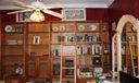 guest bedroom-bookshelves