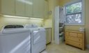 27_laundry-room_83 St James Court_Ballen