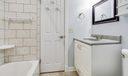 14_bathroom1