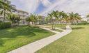 27_community-grounds_111 Bay Colony Driv