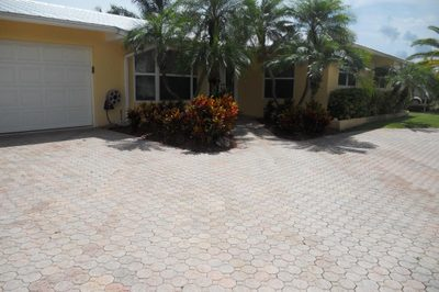 917 Dolphin Drive 1