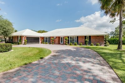513 S Country Club Drive 1