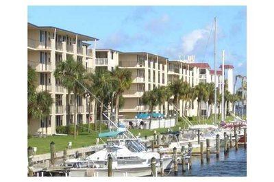 104 Paradise Harbour Boulevard #109 1