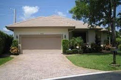 4995 Pine Tree Drive 1