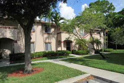4525 Oak Terrace Drive 1
