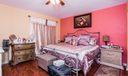 08_master-bedroom_2015 Oakhurst Way_Thou