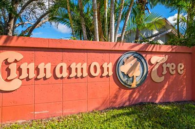 4043 NW Cinnamon Tree Circle 1