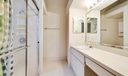 8_bathroom1