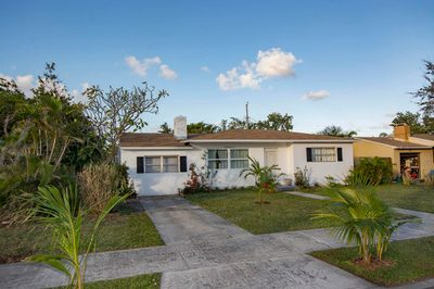 329 Laurie Road 1