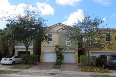 1027 Pipers Cay Drive 1