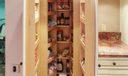 518 Iris Cir kitchen pantry