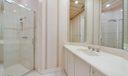 Bath adjoining BR 3
