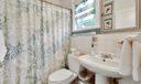 12_bathroom1[1]