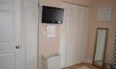 Bed 2 closets
