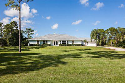 2404 SE Ranch Acres Circle 1