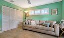 Living area (6)
