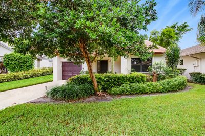 4816 Boxwood Circle 1