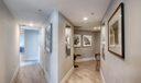 Hallway/Foyer