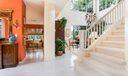 013-photo-hallway-6577345