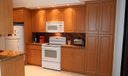 07a 7484 Kitchen3