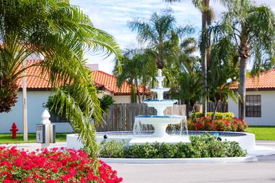 13498 Fountain View Boulevard 1