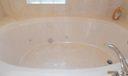 Jacuzzi Tub (Master Bath)