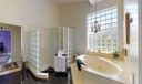 08_Bathroom (8)