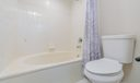 Large tub / shower