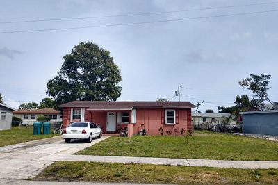 2040 NW 2nd Court 1