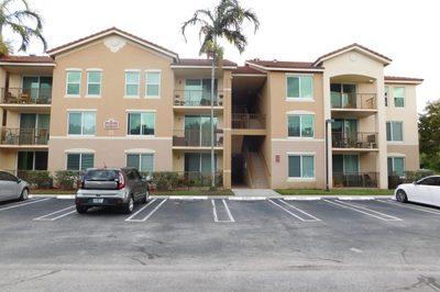 1014 Villa Circle 1