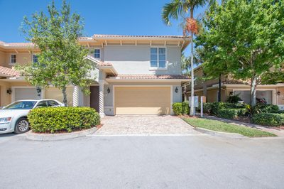 909 SE Willoughby Trace # 1