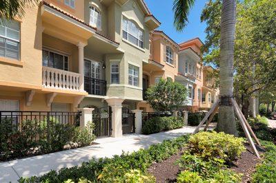 11762 Valencia Gardens Avenue 1