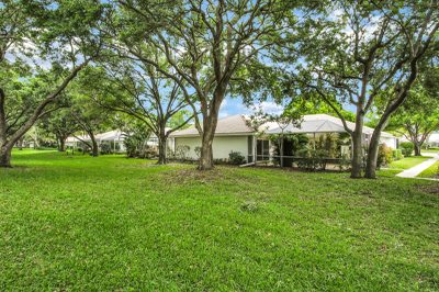 7004 Geminata Oak Court 1